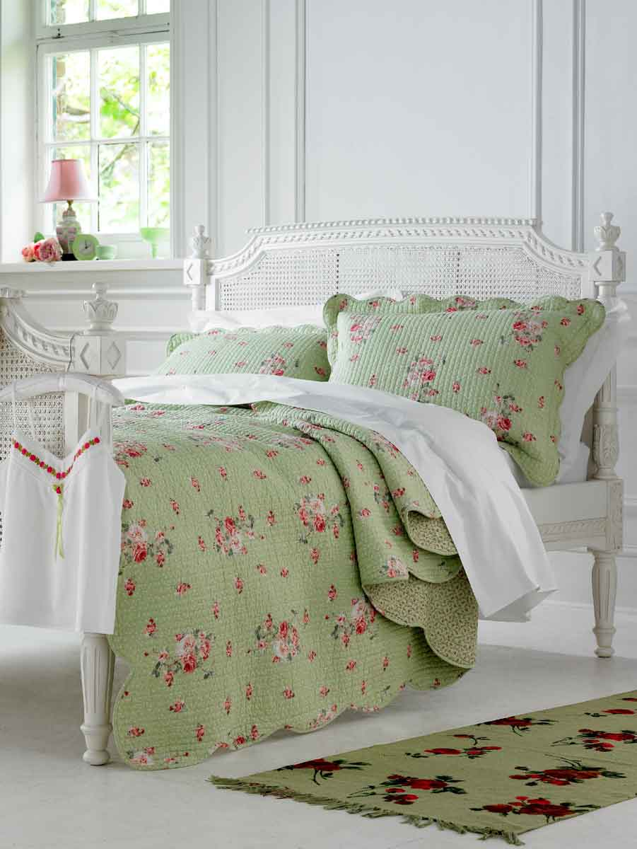 bed pillows, flannel sheets, linen, bedding