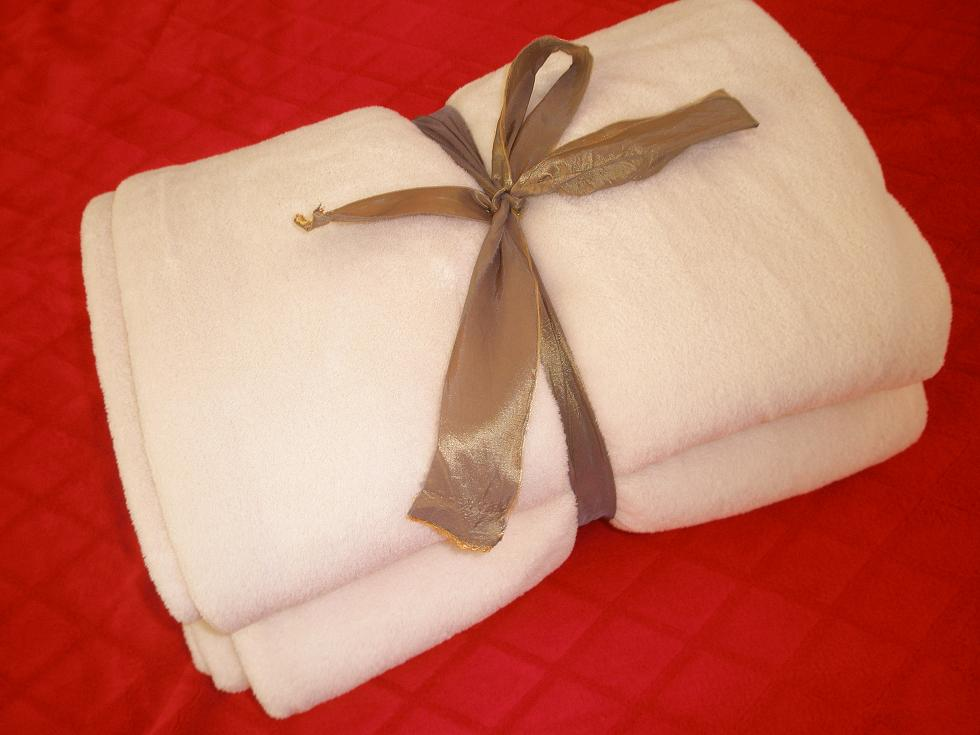 smokey bear blankets, how to wash a wool blanket, mink blanket, mink blankets wholesale