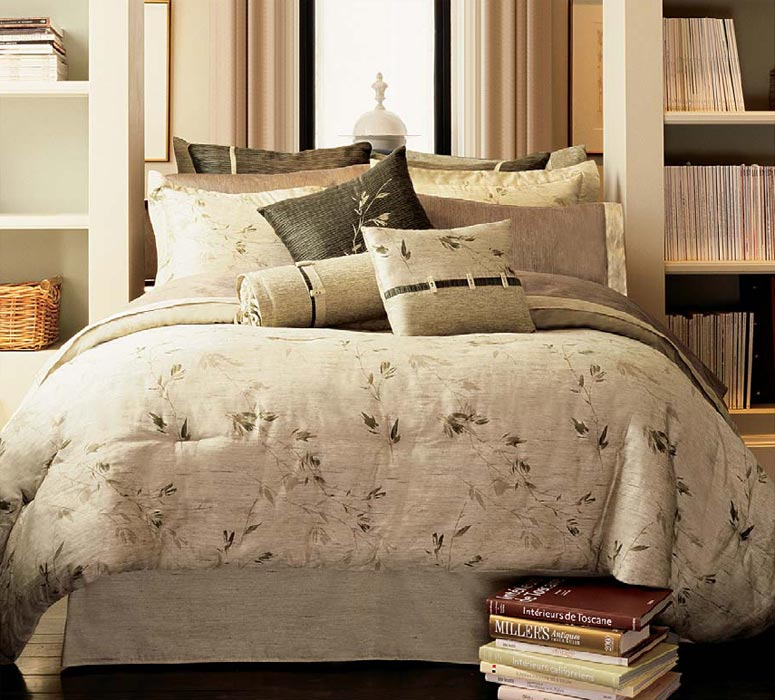 bedspreads and bedding, domestications bedspreads, satin bedspreads, floral bedspreads