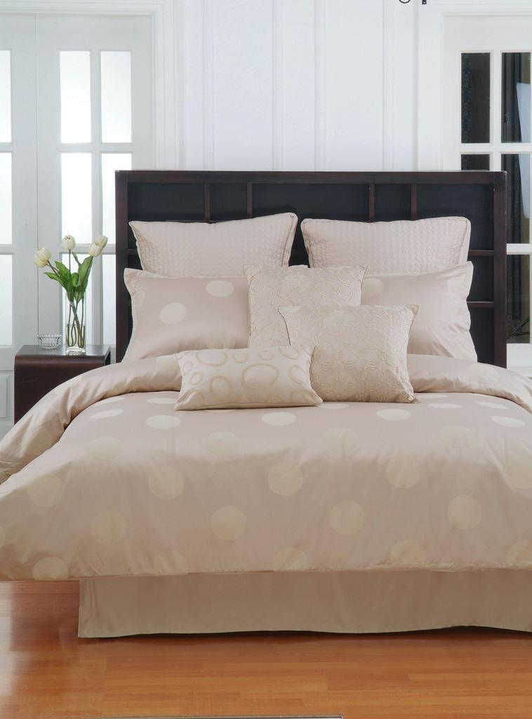 bedspreads and comforters, rib cord bedspreads, satin bedspreads, satin bedspreads