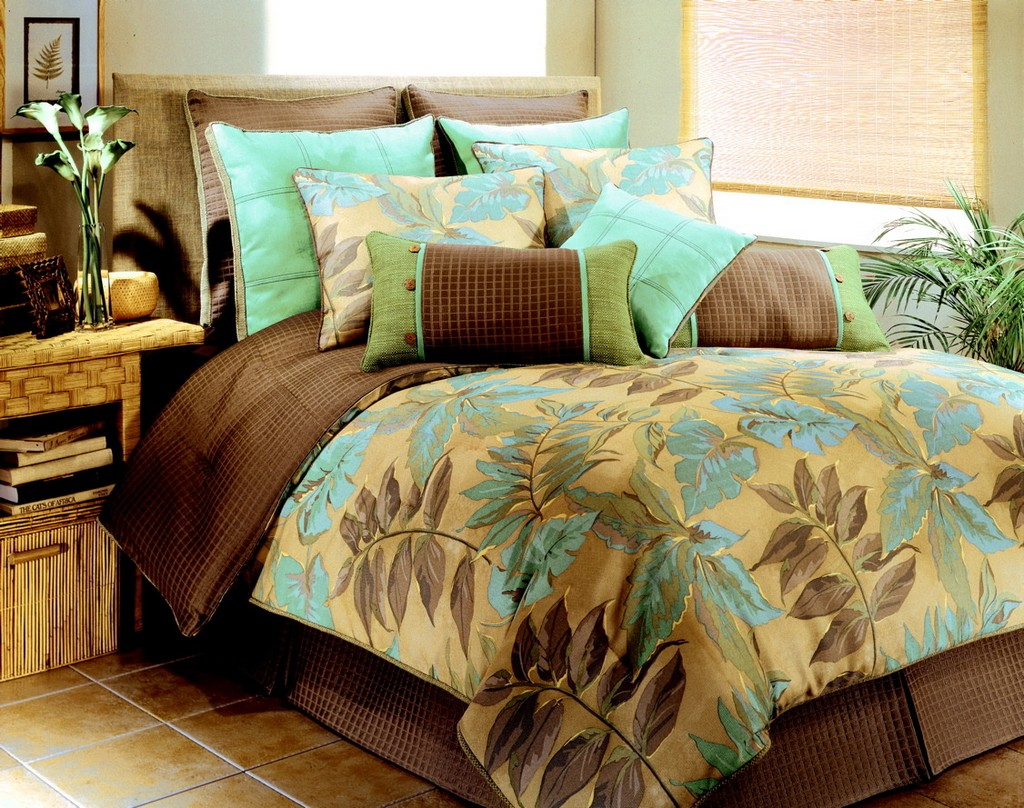 Bed comforters DecorLinencom
