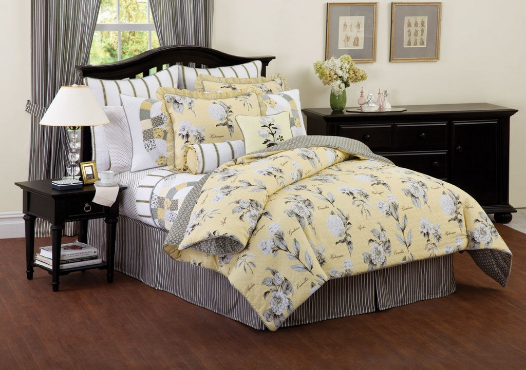 queen comforters, croscill comforters, plaid comforters, hello kitty comforters