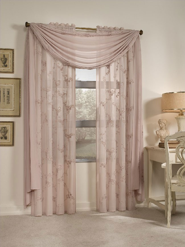 living room drapes, custom made drapes, brocade drapes, damask drapes