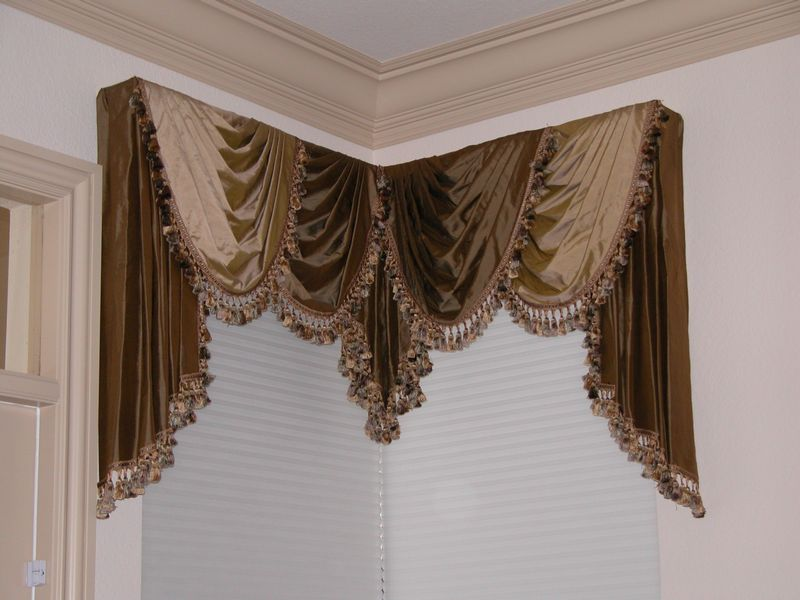 outdoor drapes, striped drapes, black drapes, victorian drapes