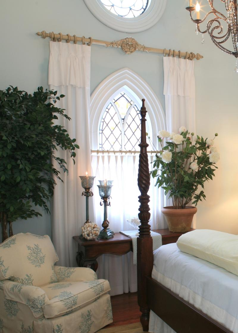 victorian drapes, satin drapes, motorized drapes, pinch pleated drapes