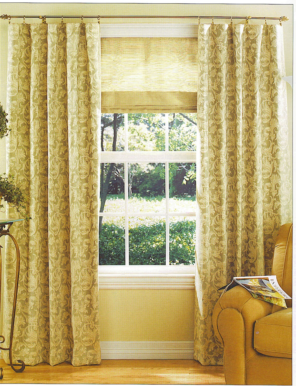 rooster curtains, how to make curtains, curtain rod brackets, linen window curtains