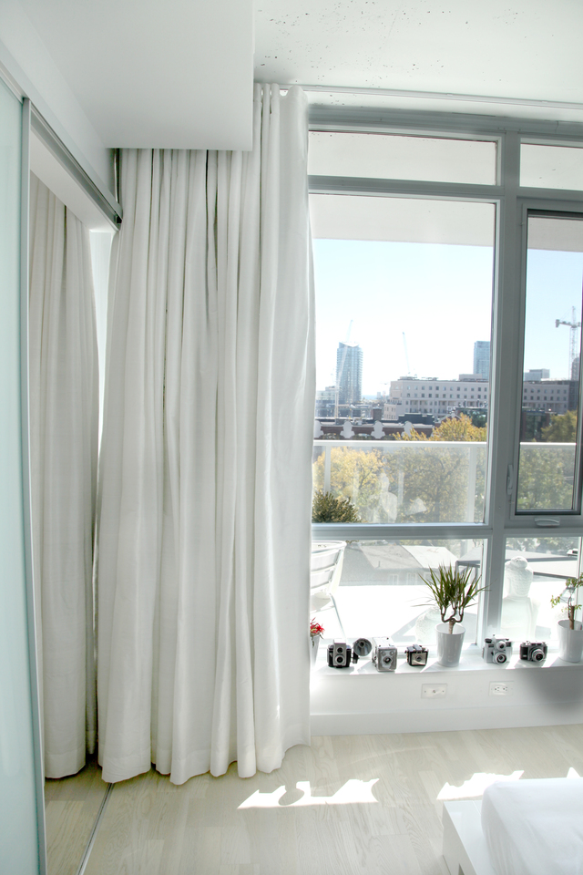 red drapes, cheap drapes, linen drapes, black toile drapes