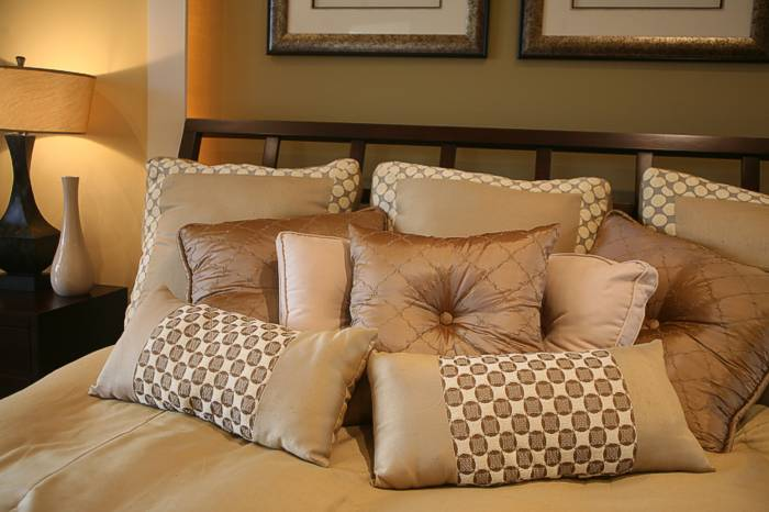 queen pillows, decorative throw pillows, buckwheat hull pillows, memory foam pillows