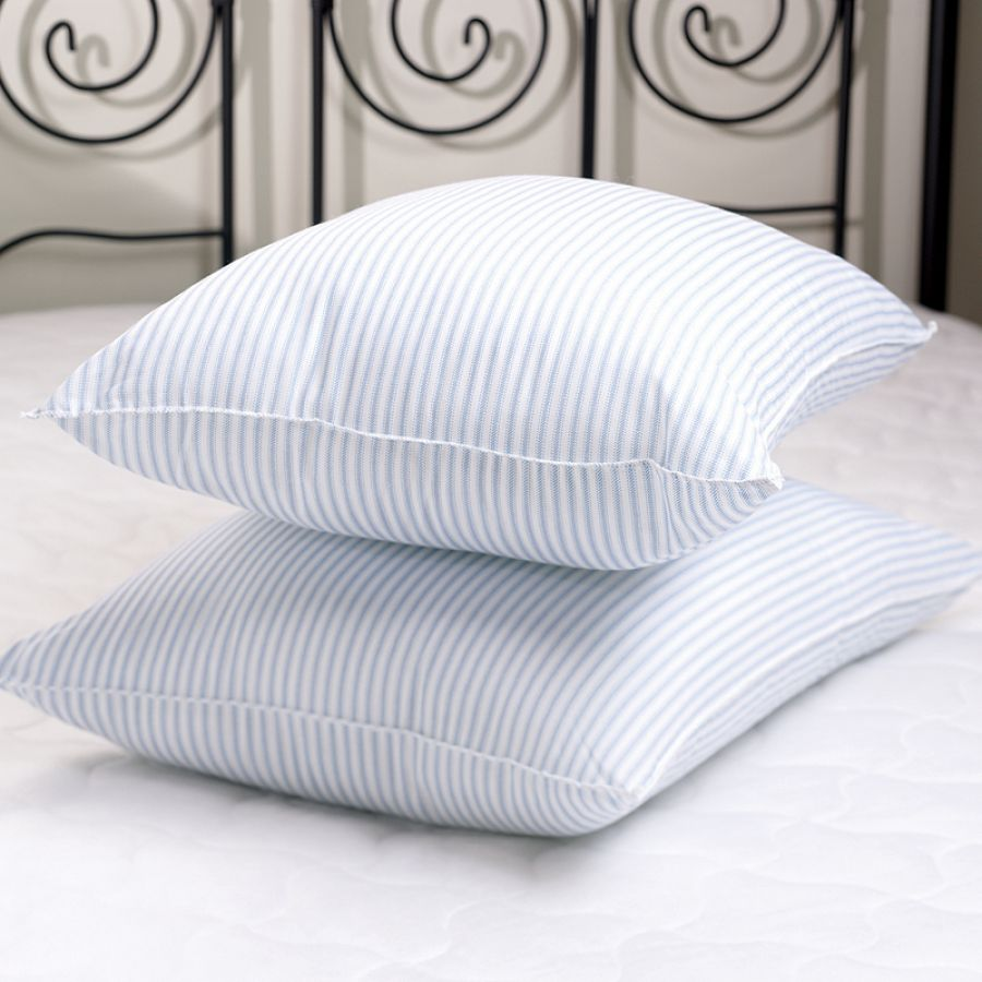 goose down pillows, pillows decorative, gusseted pillows, pillows