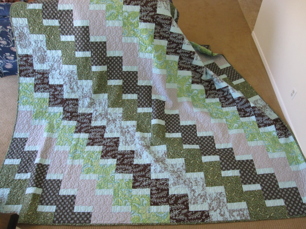 handmade baby quilts, free baby quilt patterns, appliqued quilts, quilts and shams