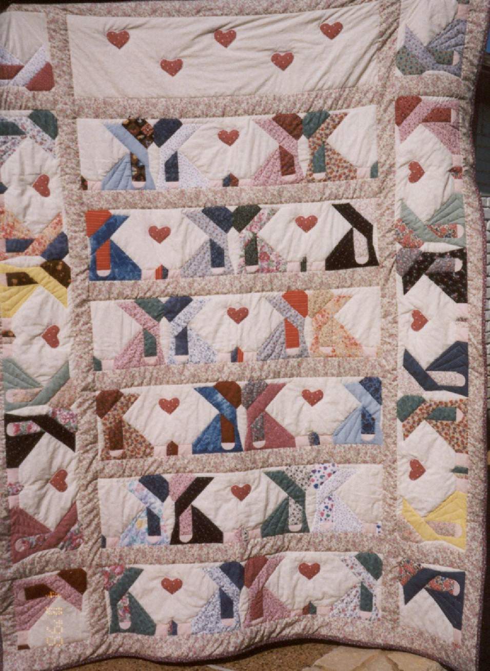 appliqued quilts, handmade quilts for sale, rag quilts patterns, handmade quilts