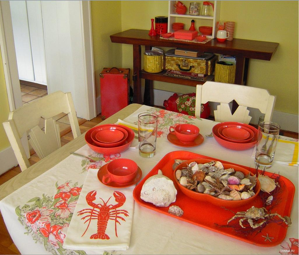 holiday tablecloths, oval vinyl tablecloths, discount tablecloths, table linens to buy
