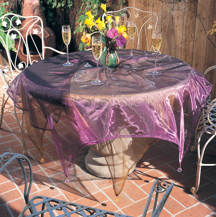 Stunning Table Decorating with Plastic Table Cloths 696 x 699 · 245 kB · jpeg