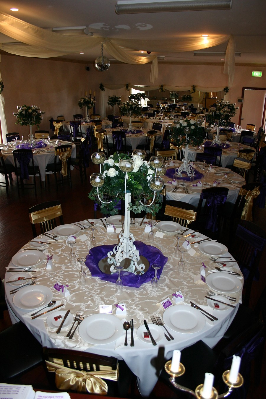 white tablecloths, cheap table linens, lace tablecloths, fitted tablecloths