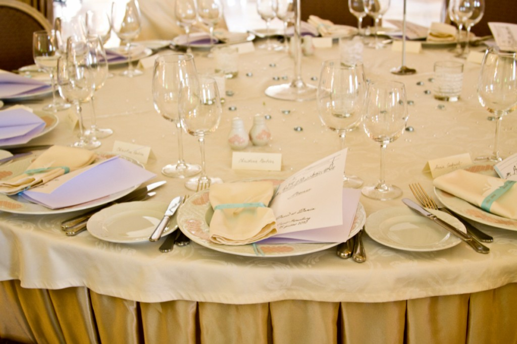 round tablecloths, table linens wholesale, 70 round sheer tablecloths, tablecloths round