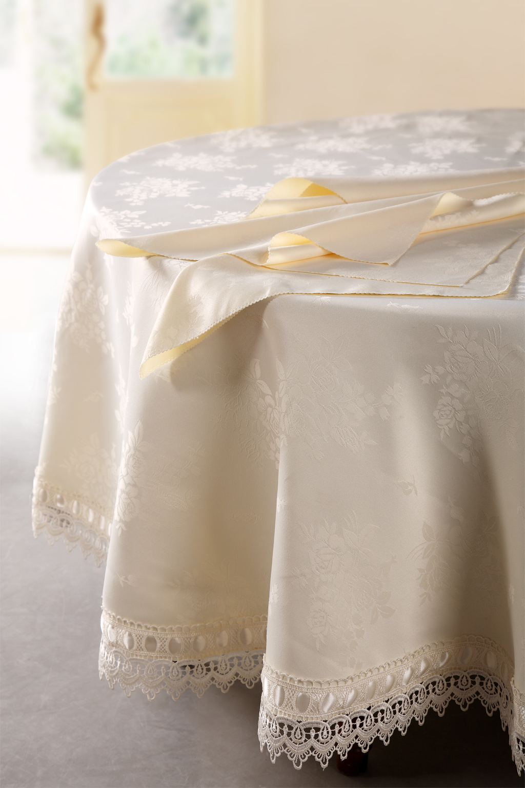 wholesale tablecloths, wholesale table linen, tablecloths wholesale, discount table linens