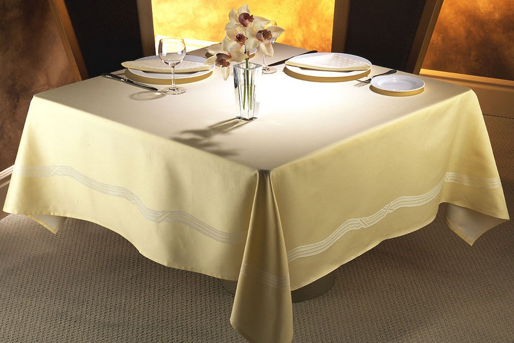 Moroccan tablecloths - DecorLinen.com.