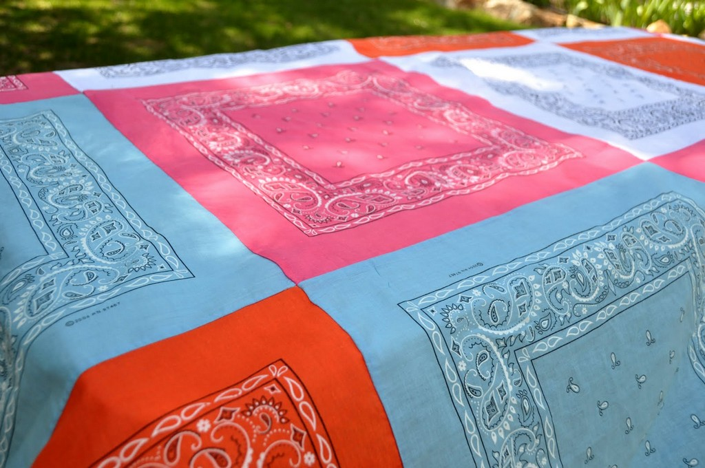 Cheap tablecloths - DecorLinen.