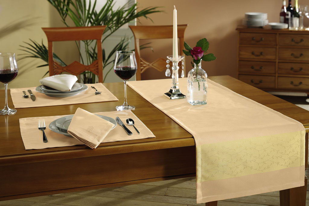 jcpenny table linens, wholesale table linen, tablecloths wholesale, quaker lace tablecloths