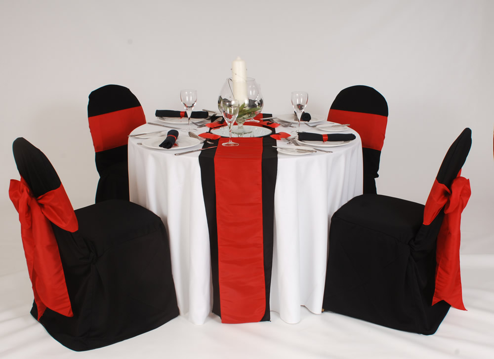 retro table linens, disposable tablecloths, tablecloths wholesale, linens and table skirting