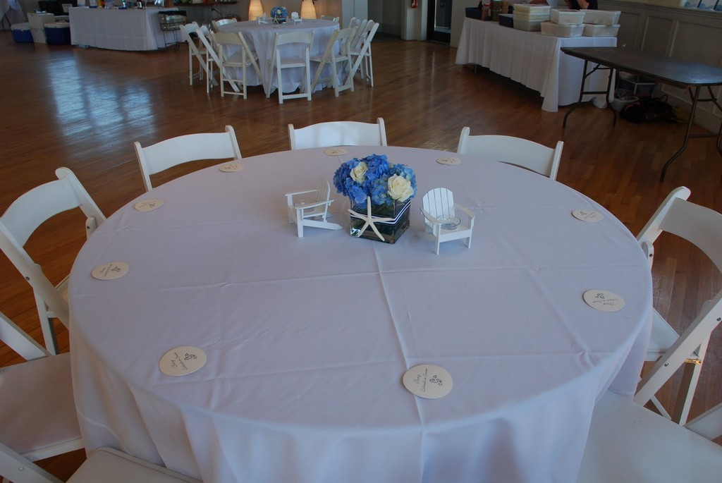oval vinyl tablecloths, wedding reception table linens, tablecloths wholesale, royal palm table linens