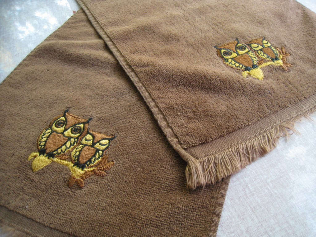 towels, pocketed beach towels, paper guest towels, tan towels