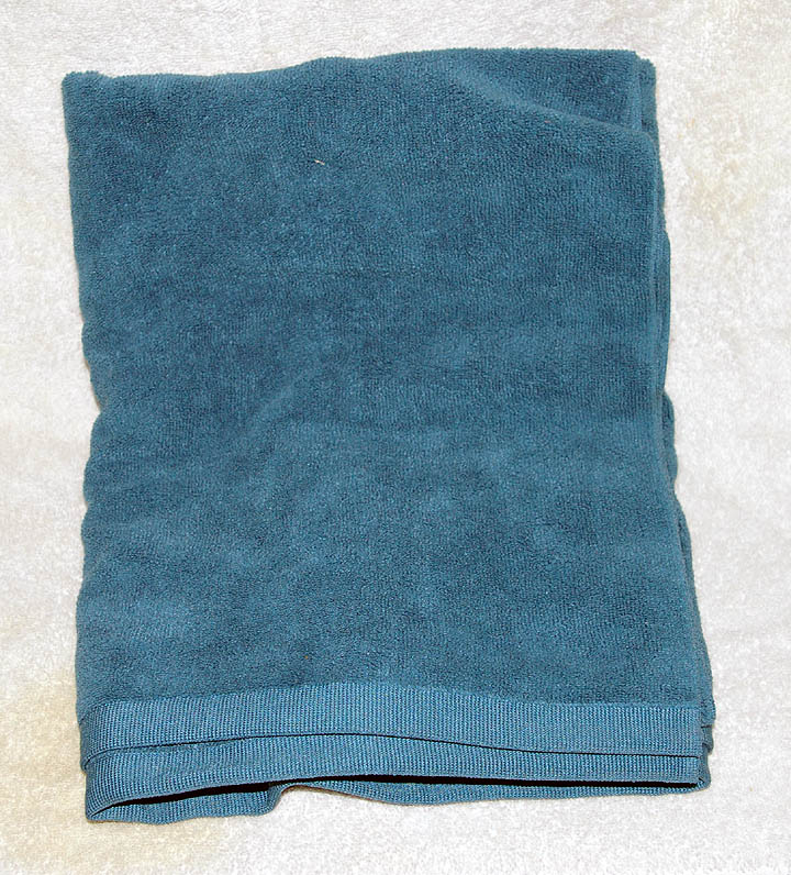 cheap wholesale colored bath towels, pocketed beach towels, storm bowling towels, hand towels